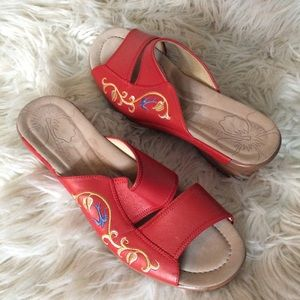 Dansko leather slip on sandals coral embroidery 9